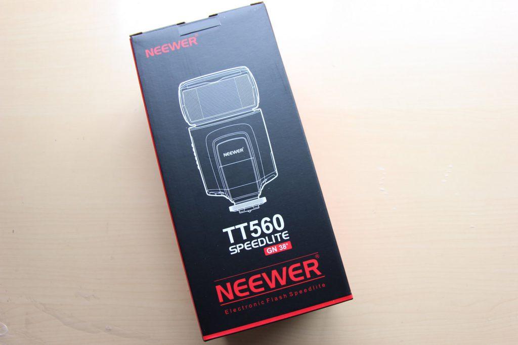 NEEWER-SpeedLight-1