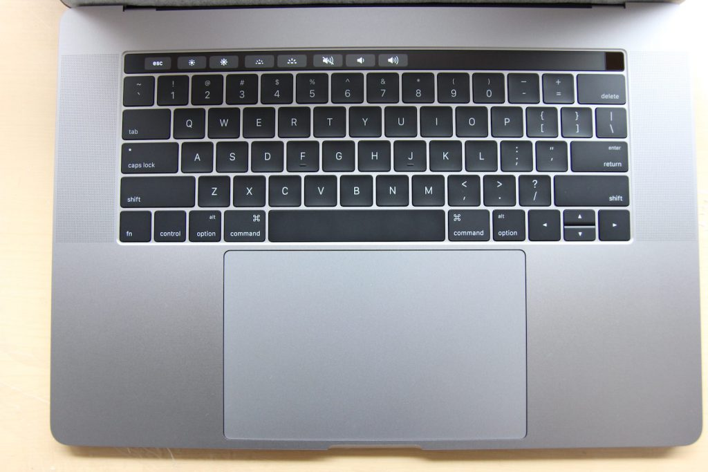 macbookpro-with-touchbar-2016-20